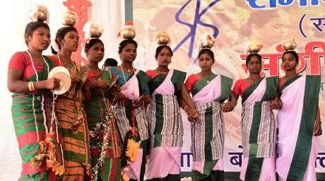 4319be1af7 With the motto to preserve the tribal art and culture of Jharkhand a  two-day mega event MANDAR began at Bokaro Club, Cinema Arena in Bokaro on  Thursday ...